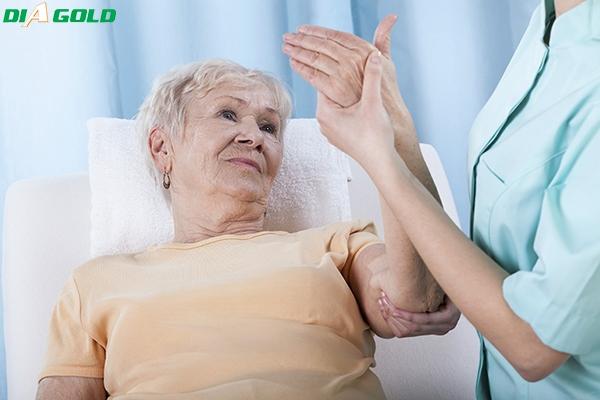 tê bì chân tay khi bị tiểu đường